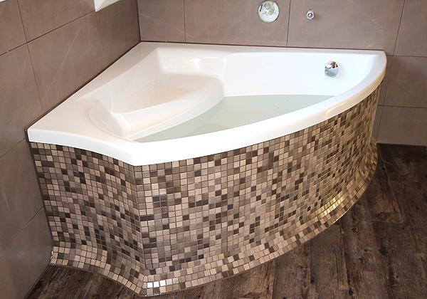 Mosaike Setzen Stimmungsvolle Akzente Oder Sind Durch Beeindruckende  Großformate Effektive Raumgestalter Für Ihr Badezimmer.